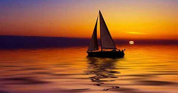 Chiếc thuyền ngoài xa