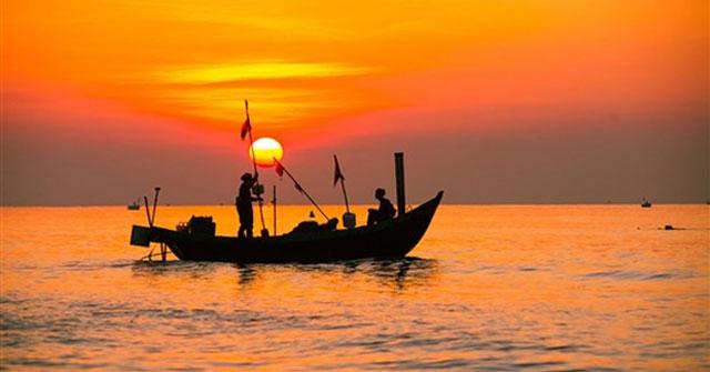 Phân tích tình huống truyện Chiếc thuyền ngoài xa