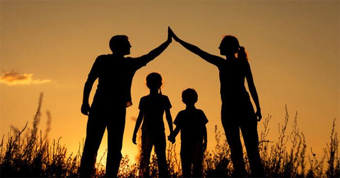 Nghị luận về tình cảm giữa cha mẹ và con cái (5 mẫu) - Văn 9